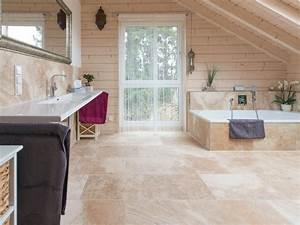 Küchenfliesen Boden Landhaus : mit naturstein wird aus einem badezimmer eine wohlf hl oase landhaus flair mit ~ Sanjose-hotels-ca.com Haus und Dekorationen