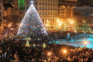 quot pyramid quot quot popsicle quot syracuse s 2009 christmas tree is up there with the big boys syracuse com