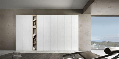 Armadi Moderni Di Design Libreria A Colonna Di Design Voltan Mobili Magazine