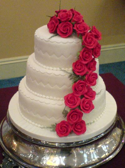 sports beautiful wedding cakes