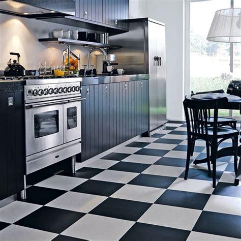 black white tiles for kitchen memilih motif keramik lantai dapur untuk dekorasi indah 9264