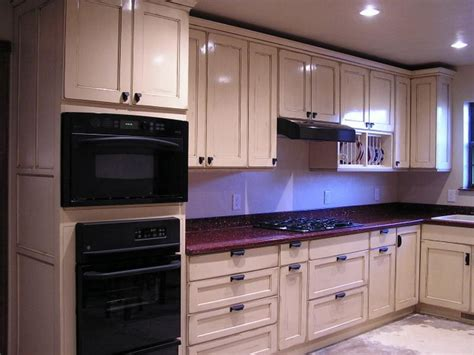 popular stain colors for kitchen cabinets how to choose the best color for kitchen cabinets your