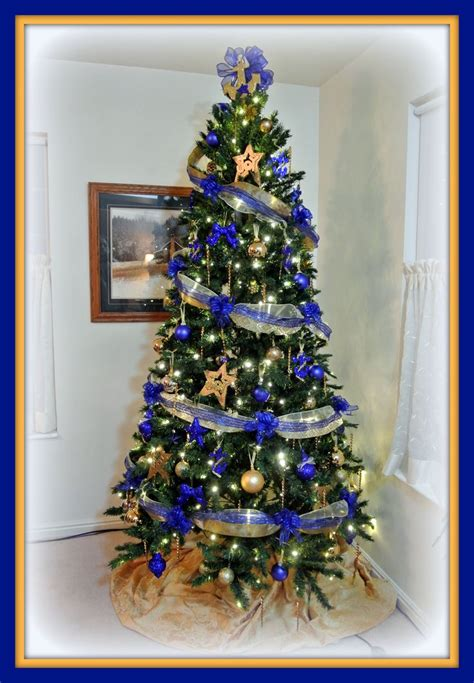 blue  gold christmas images  pinterest gold