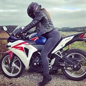 Honda Linas : best 25 cbr ideas on pinterest honda cbr 1000rr honda sport bikes and sport bikes ~ Gottalentnigeria.com Avis de Voitures