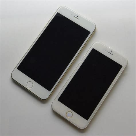 new photos show 4 7 inch and 5 5 inch iphone 6 models side