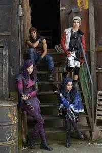 Halloween Wars Season 1 Cast by First Look Disney S Descendants Cast Including Booboo Stewart