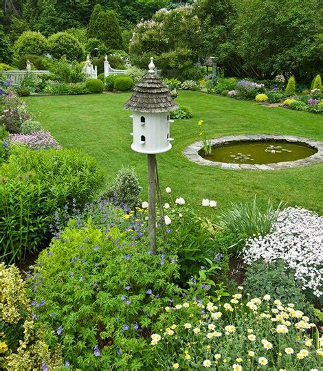 Classic Connecticut Garden by Made In Heaven Classic Connecticut Garden