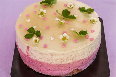 recette de cuisine facile et rapide dessert gâteau mousseux aux pêches et fruits rouges kilometre 0 fr