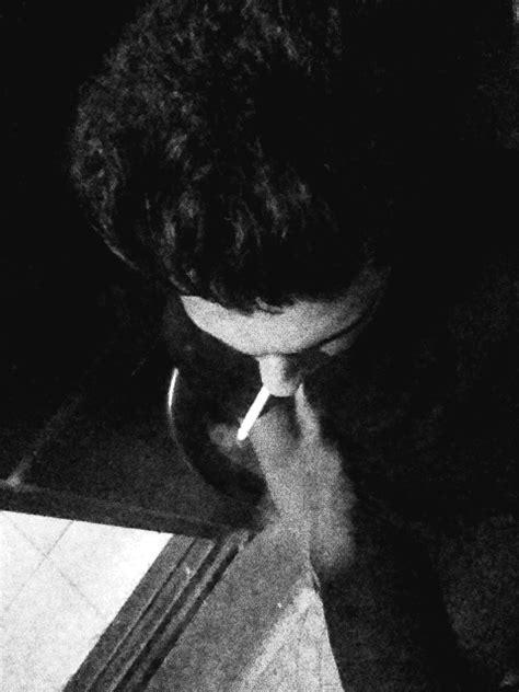 smoke cigarettes on Tumblr