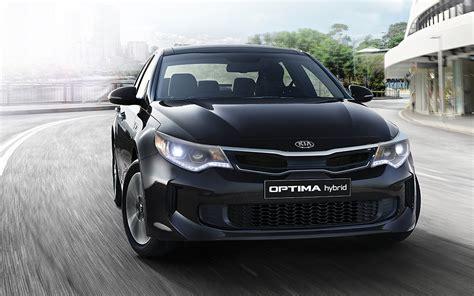 Kia Optima Suv by Comparison Infiniti Qx30 Sport 2017 Vs Kia Optima Ex