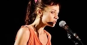 Fiona Apple Alleges 'Inappropriate' Behavior in Drug ...