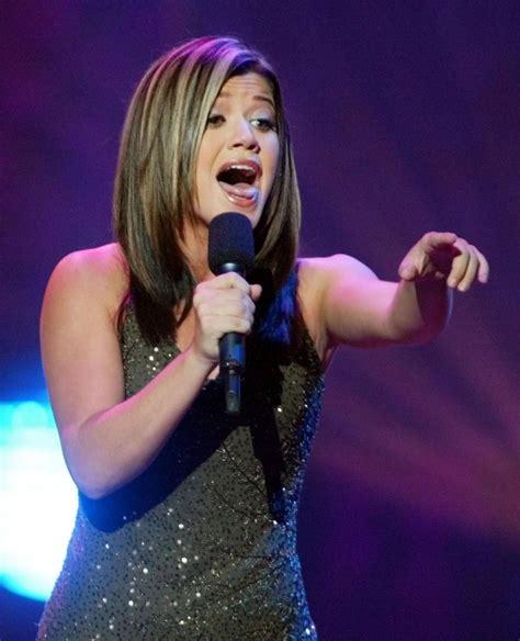 Kelly Clarkson's Many Looks (PHOTOS)