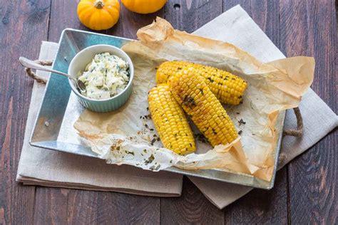 mais cuisine epis de maïs grillés au beurre d 39 herbes cuisine addict