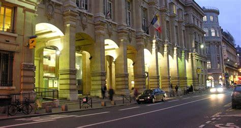 bureau de poste louvre la mythique poste du louvre accueillera un hôtel de luxe