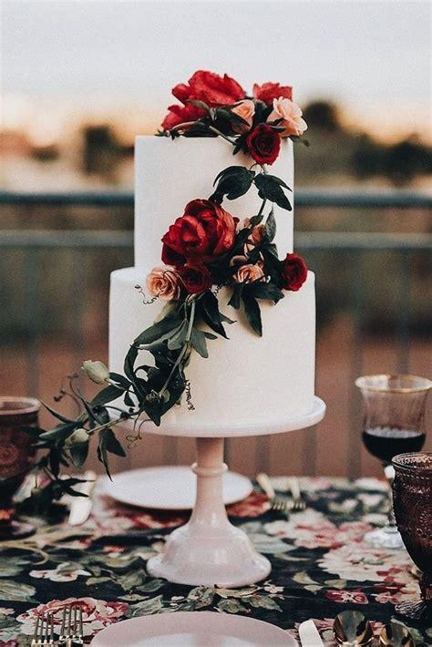 Beautiful Fallwinter Wedding Cake In 2019 Wedding Cakes