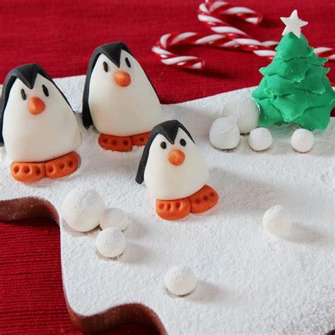 sugarpaste christmas cake decorations