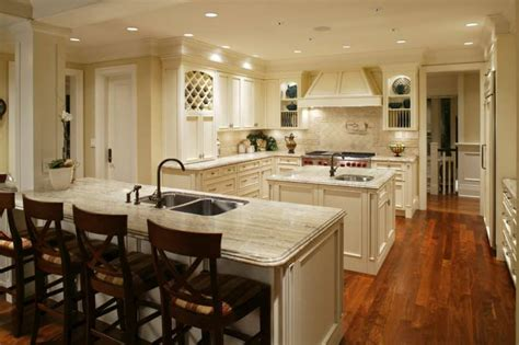 Kitchen With Both Peninsula And Island 49 kitchens with both an island and a peninsula photos