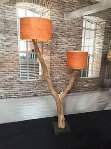 Stehlampe Skandinavisches Design : stehlampe verwitterte alte eiche auf schwarzem einrichten und wohnen wohnzimmer design ~ Orissabook.com Haus und Dekorationen