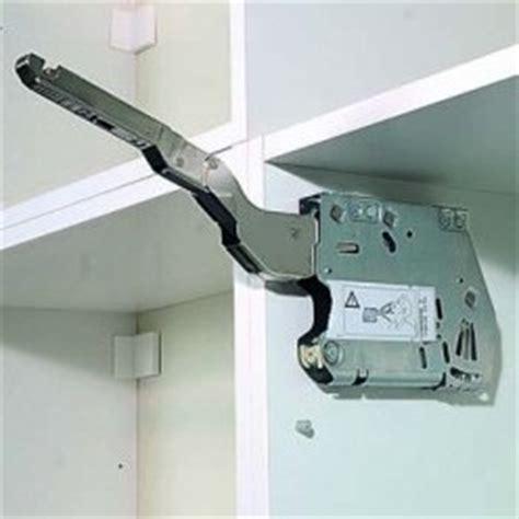 ikea porte placard cuisine cuisine fixation de placards hauts à porte relevable