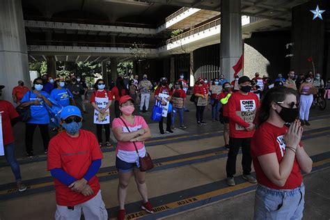 Hawaii workers rally to have unemployment office open for ...