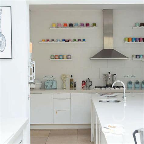 etageres de cuisine les étagères ouvertes ou le petit plus déco