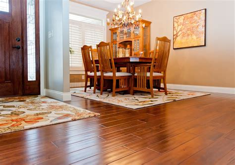 hardwood floor  laminate     winner