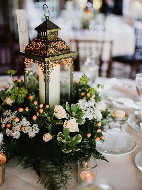 15 Beautiful Lantern Centerpieces For Any Wedding Style