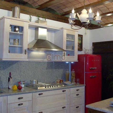 meuble cuisine plan de travail cuisine aménagée chêne blanchi plan de travail granit cantina
