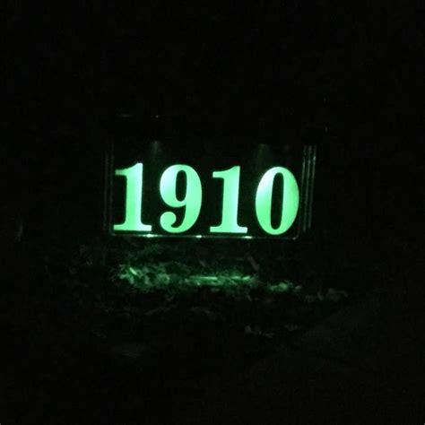 solar lighted address plaque