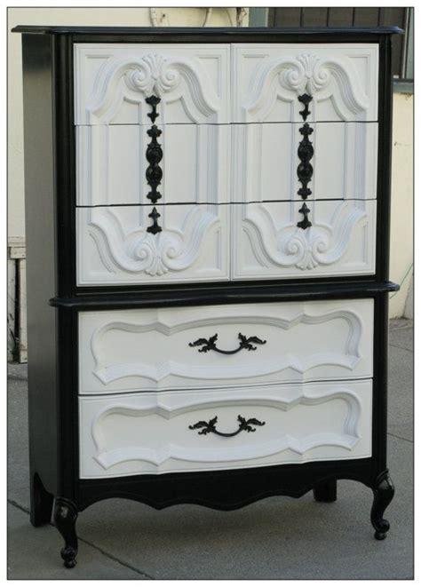 Refurbished Bedroom Furniture by 25 Best Ideas About Refurbished Dressers On Pinterest