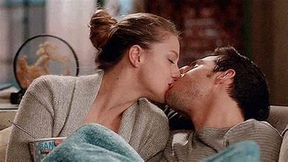Kara Supergirl Mon Casado Kiss Couples Relationship