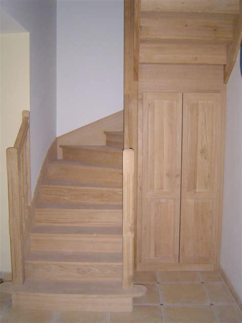 amenagement sous escalier tournant escalier 2 4 tournant en ch 234 ne avec balustres tourn 233 es eurl menuiserie corporoneurl menuiserie