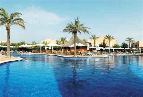 Aparthotel Viva Menorca En Cala'n Bosch  Destinia. Adriatik Hotel. Fortune Hiya Hotel. Mercure Salvador Rio Vermelho Hotel. Royal Park Beach Resort