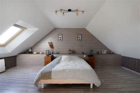 amenagement chambre sous comble amenagement combles plafond mansarde accueil design et