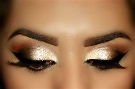 Cool eyeshadow designs for your eye makeup 16