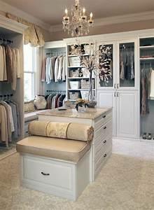 Begehbarer Kleiderschrank Ideen : die besten 25 begehbarer kleiderschrank ideen ideen auf ~ Michelbontemps.com Haus und Dekorationen
