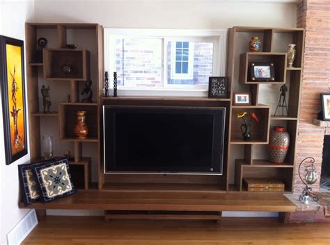 Mid-century Modern Built-in Entertainment Center And