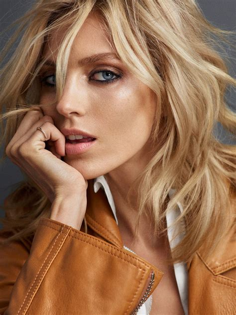 anja rubik poses  casual   vogue portugal cover