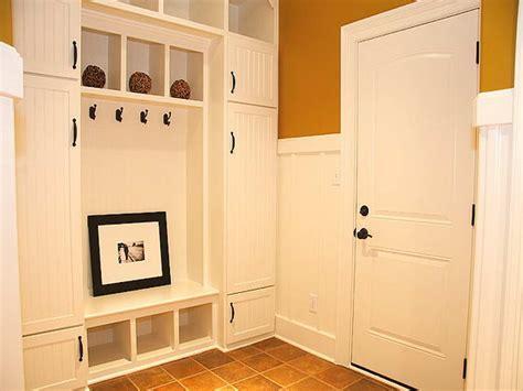 Entryway Storage Locker Bench