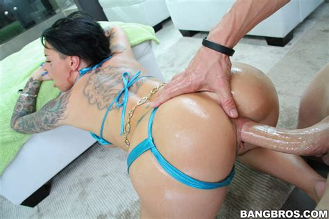 Christy Mack Getting Her Ass Licked And Pussy Fucked