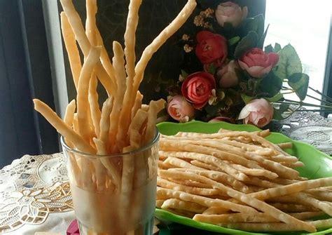 Rasa dari bawangnya pun terasa saat di makan. Resep Kue bawang/ladrang/stik bawang renyah simpel (revisi) oleh Oishii Kukie (Listya) - Cookpad