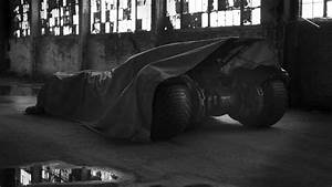 Here's Your First Look at BATMAN VS. SUPERMAN's Batmobile ...