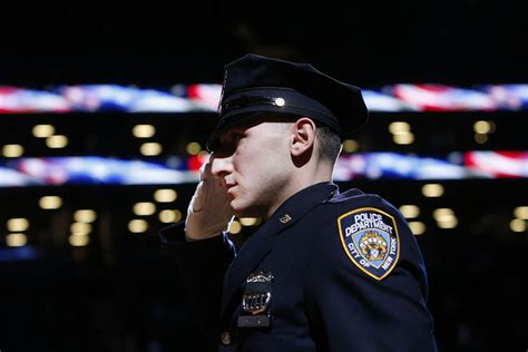 New Yorkers Honor Slain Police Officers With Tributes