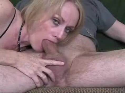 Granny Hippie With Face Mirror Mom Pornstar Blows Jizzed Sextape