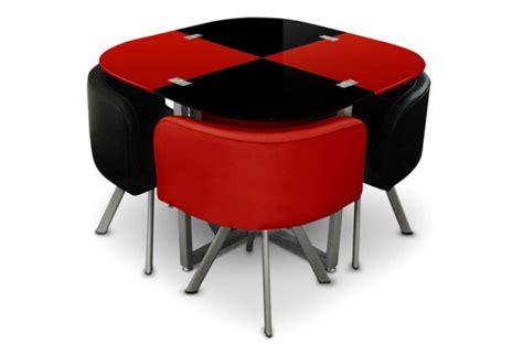 table avec 4 chaises table repas damier 4 chaises et noir tables à