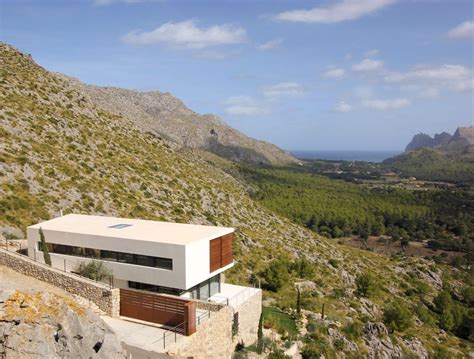 15 hillside homes that how to embrace the landscape
