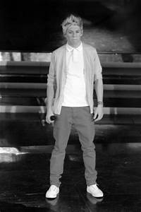 Niall Horan - Black and White - Niall Horan Fan Art ...