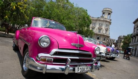 Latviešu ceļotāji izbauda sociālisma salu Kubu: tu esi ...