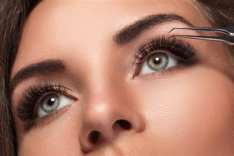 makeup ideas  hooded eyes   place