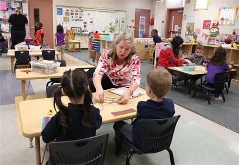 few clark county children go to preschool why that 443 | 9735803 web1 preschool study dec09 17 120417bt 006